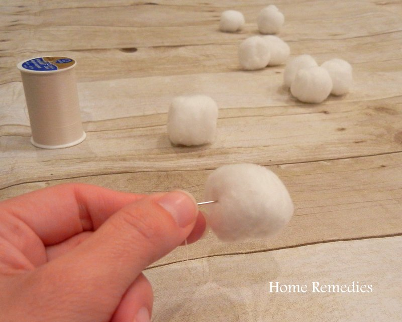 DIY Cotton Ball Pom Pom Garland