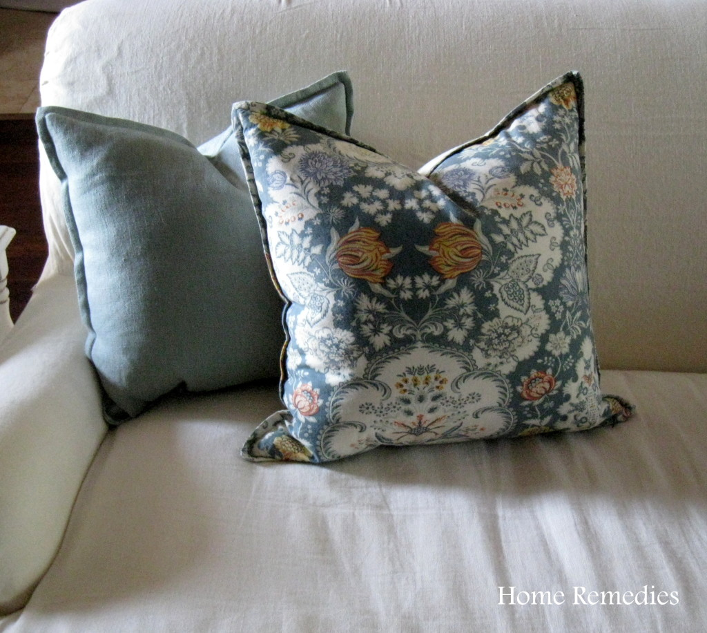Make Removable Throw Pillow Covers : How to make removable pillow covers out of cloth napkins