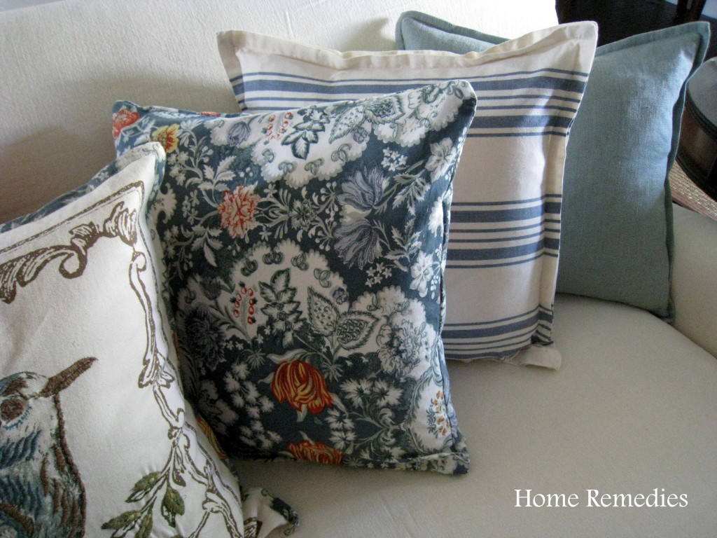 Removable pillow covers made from cloth napkins
