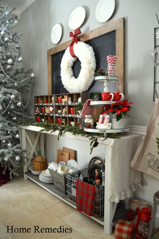 A Rustic,Cozy, Farmhouse Style Dining Room  Decorated for the Holidays | HomeRemediesRx.com
